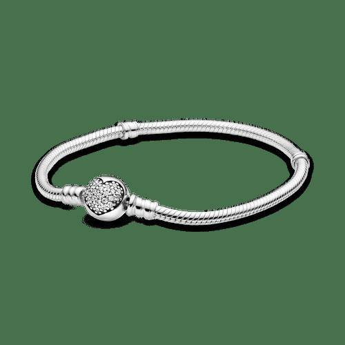 Brazalete Pandora Moments cadena de serpiente con cierre de corazón centelleante